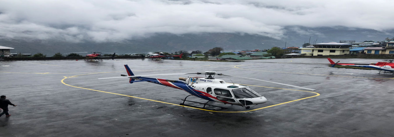 helicopter landing in lukla airport