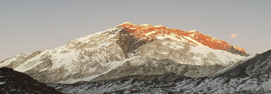 Everest base camp trek best time of year